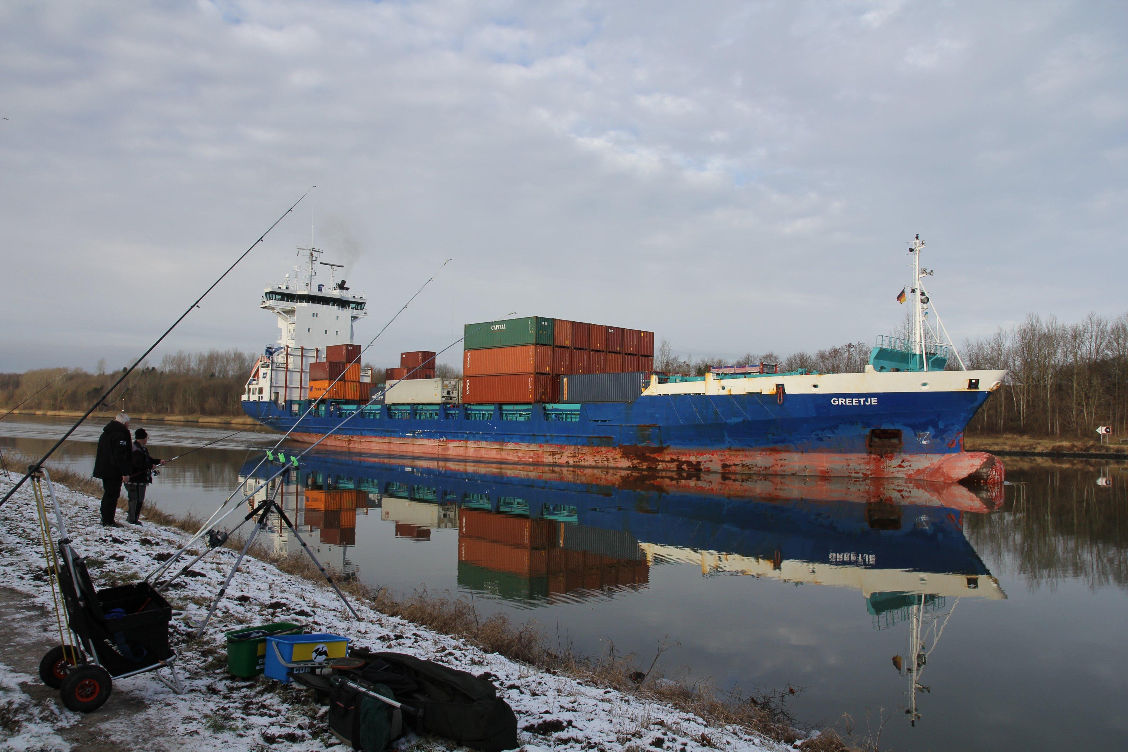6_Plattfischangeln_Nord-Ostsee-Kanal.JPG