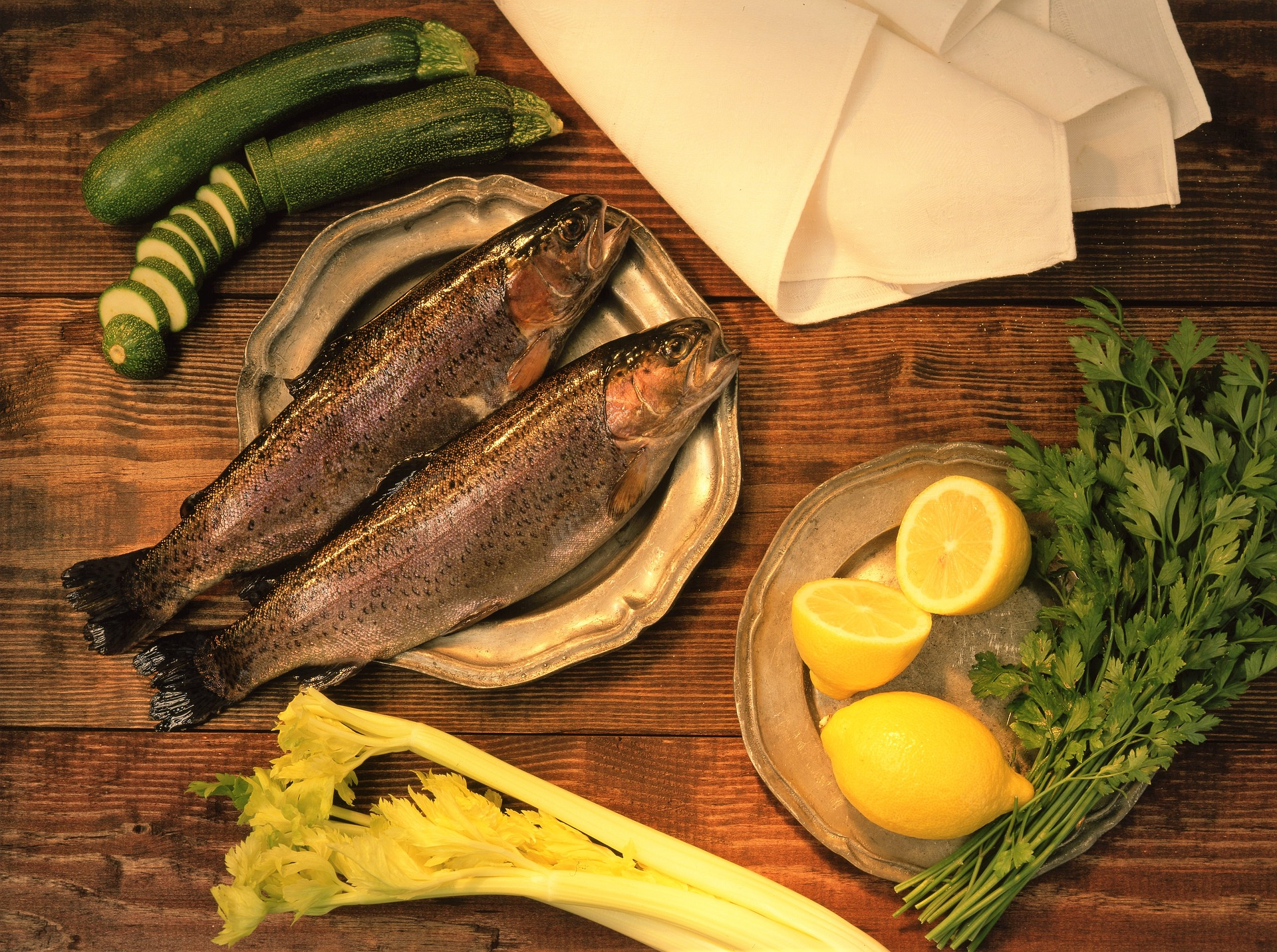 fish-supper-3805035_1920.jpg