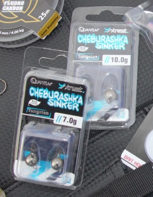 Zwei Quantum Chebus in Plastik.jpg